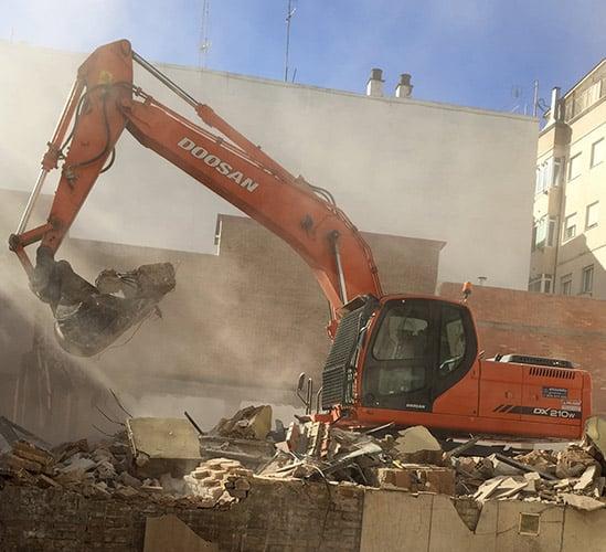Excavaciones terreno de construcción